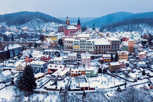 Panorama of Loket – winter afternoon. Loket, Bohemia, Czech Republic.