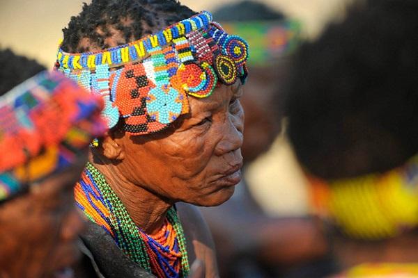 etnia san namibia