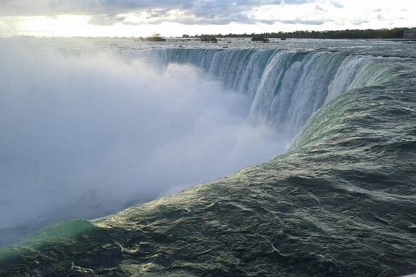niagara-falls-2148028_1920