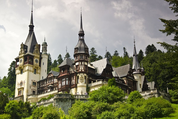peles-castle-818943_1920